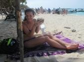 Kijk uit malloot, een kokosnoot met rum.
